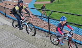 launch_arrival_Penny-farthing_Families