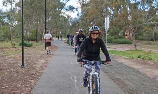 Neighbourly-Ride-Carlton-North_Royal-Park-station_Claire_22Sep2019