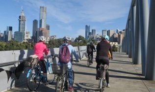 Neighbourly-Ride-Carlton-North_William-Barak-Bridge_26May2019