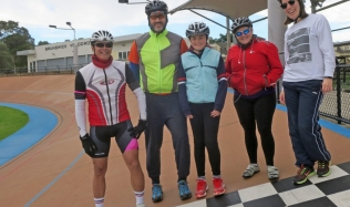 Neighbourly-Ride-Carlton-North_group_Brunswick-Velodrome_09Jun2019