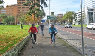 Neighbourly-Ride_Carlton-North_Victoria-Pde_Shared-Path_16Jun2019