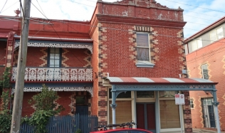 Neighbourly-ride_Carlton-North_AFL_Collingwood-Victorian-Terrace_28Jul2019