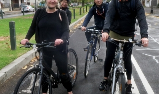 Neighbourly-ride_Carlton-North_Canning-Street_28Apr2019