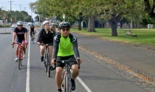 Neighbourly-ride_Carlton-North_Clifton-Hill_21Apr2019