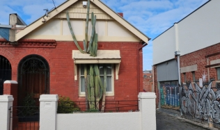 Neighbourly-ride_Carlton-North_Clifton-Hill_Castus-House_28Jul2019