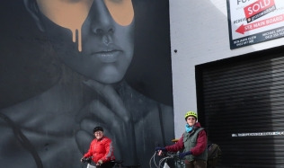 Neighbourly-ride_Carlton-North_Collingwood-warehouse_the-girl_street-artwork_28Jul2019