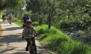 Neighbourly-ride_Carlton-North_Merri-Creek_Rick-racing_22Apr2018