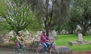 Neighbourly-ride_Carlton-North_melbourne-cemetry-tombstones